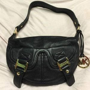 MICHAEL KORS BLACK LEATHER SHOULDER BAG WITH GOLD