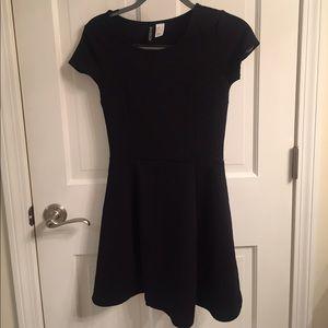 Dresses & Skirts - H&M Black dress