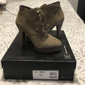 Size 6 taupe suede booties