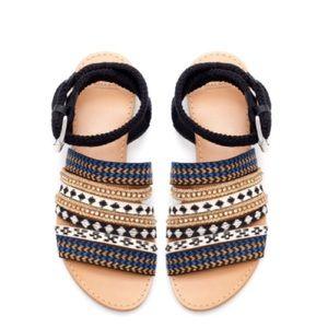 Rare ZARA fabric ethnic embroidery flat sandal