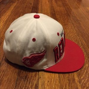 209e56b06ea Accessories - Zephyr red wings SnapBack
