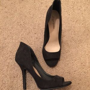 Black heels 8.5 never worn
