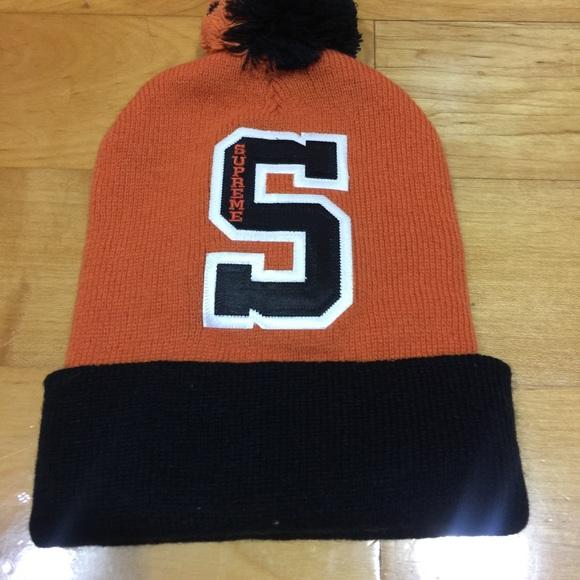 Supreme Orange and black Pom Pom beanie Hat. M 57a9d4547f0a05e8ce060113 bb52c04c826