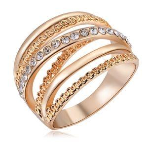 HOLIDAY SALERose gold layered bling ring