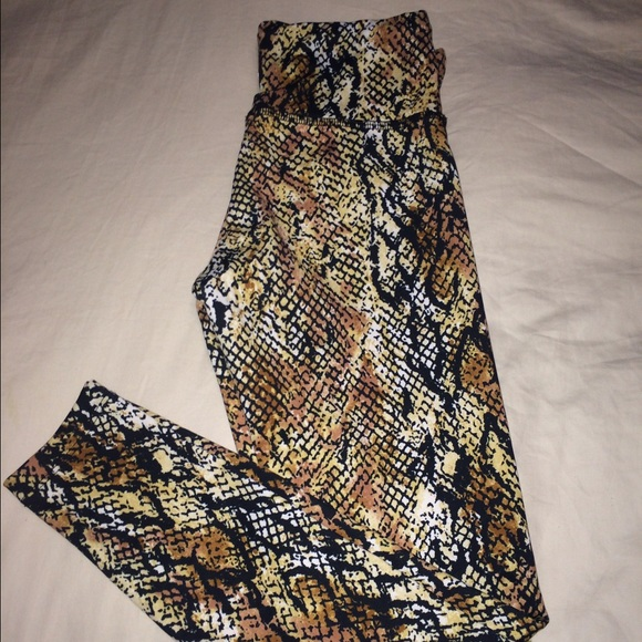 33337b5bae lululemon athletica Pants | Sale Snake Skin Workout Leggings | Poshmark