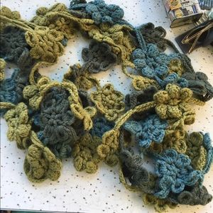 Hippie/boho, with a vintage look, knitted scarf