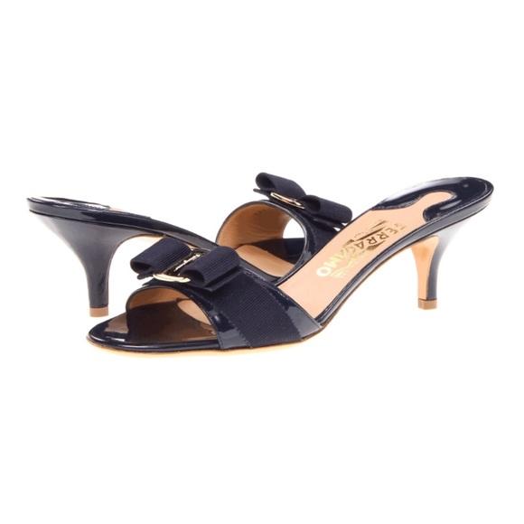 Salvatore Ferragamo low heel Vara bow sandals get authentic sale online Grey outlet store online wiWwN