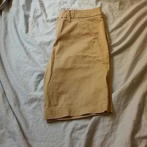 jcpenney - Khaki shorts from Rebecca's closet on Poshmark