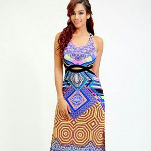 Dresses & Skirts - Sleeveless colorful print maxi dress with cut out