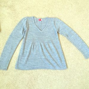 Sweaters - Gray v neck sweater