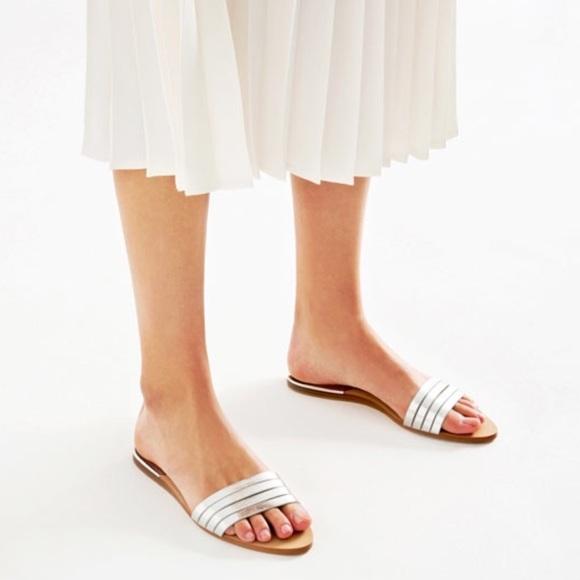 d9ef66445071ef ZARA Metallic Strappy Sandals
