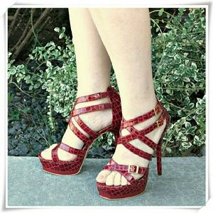 JustFab Shoes - 👠 Strappy sandals heels. NWOT.