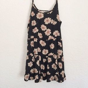Dresses & Skirts - Floral Open Back Dress