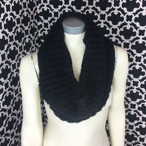 Accessories - 🆕LISTING Black Circle Neck Scarf