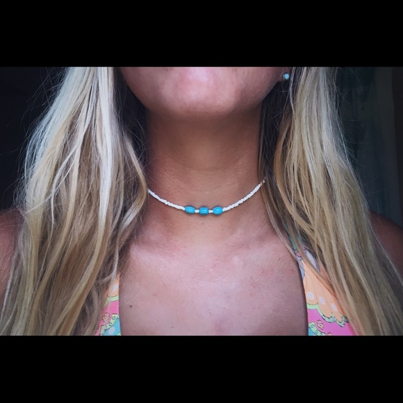 Jewelry - white and turquoise choker necklace