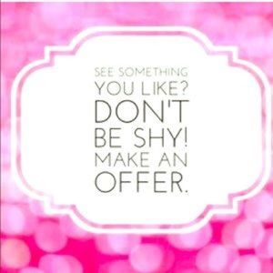 💕Welcoming All Reasonable Offers!!💕