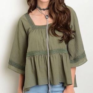 Tops - ✨NEW✨Army green boho style top
