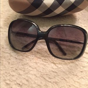 Burberry Accessories - Burberry sunglasses oversized for sale