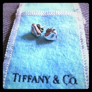 Authentic Tiffany & Co, Elsa Peretti  Bean earring