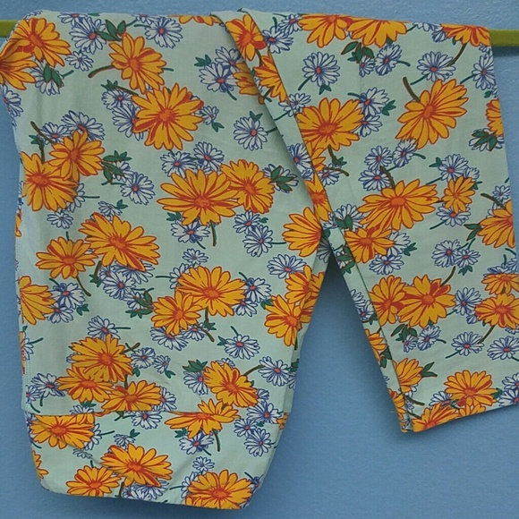 852297308f4901 LuLaRoe Pants | Tc Leggings Sea Green Yellow Blue Floral | Poshmark