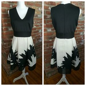 Just Taylor  Dresses & Skirts - 🆕 Gorgeous dress by  Just Taylor😍