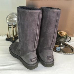 UGG Shoes - UGG❄️Like New Gray Classic Tall Suede Boots