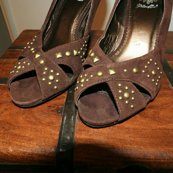 94 yellow box shoes funky suede wedge from