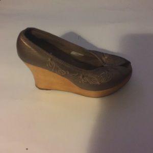 Volatile Shoes - Volatile Peeptoe Wedge