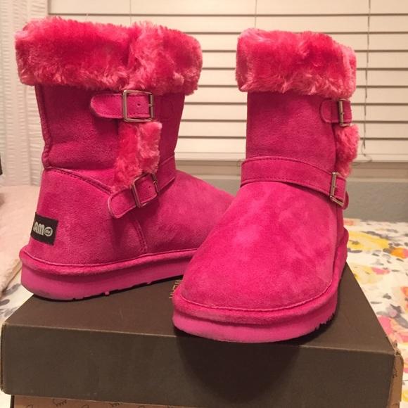 ee6068d92264ec Lamo Shoes - 💖 SALE 💖 Lamo hot pink furry boots