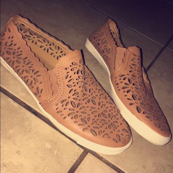 e79a2b67de9 Aerin Cutout slip-on ladies shoes size 7