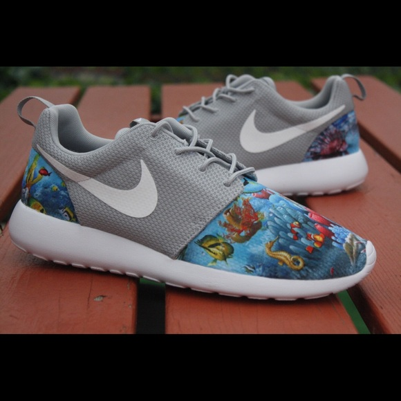 Nike fish shoes 28 images 32 nike other aquatic fish for Fish tennis shoes