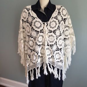 ⚠️SALE⚠️ Cream Crocheted Poncho