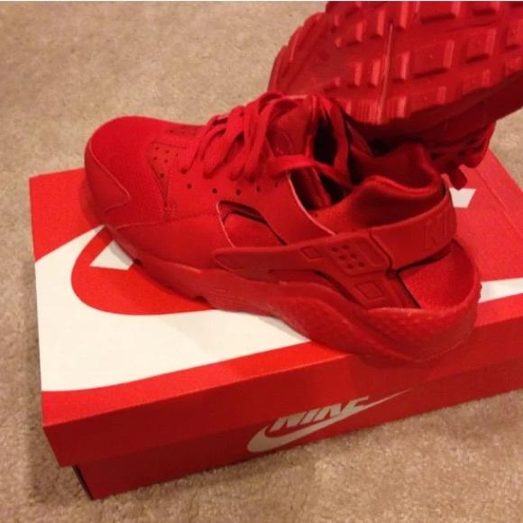 9f95914e6 Nike Air Huarache Sneakers University Red 5.5Y. M 57ab2cbb522b45673f0013e4