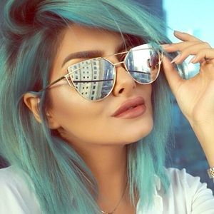 Mirrored Metal Frame Oversized Cat Eye Sunnies