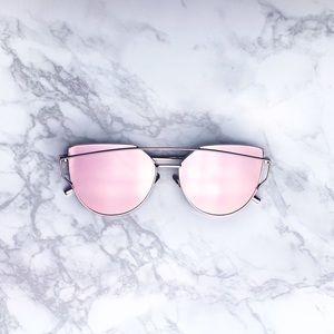 Accessories - Mirrored Metal Frame Oversized Cat Eye Sunnies