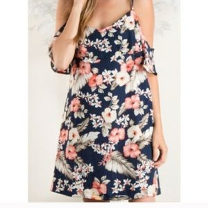 Cold shoulder navy floral dress! ✨BEAUTIFUL ✨ 
