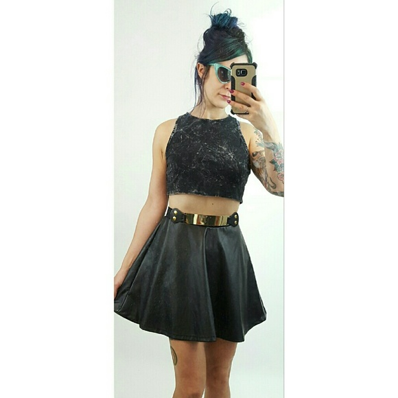 Find fashionable skater skirts at fabulousdown4allb7.cf! Pair a black skater skirt with a crop top or try a floral skirt for a flirty and flattering look.