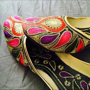 Shoes - Got Married Sale! Beautiful Golden Work Jutti