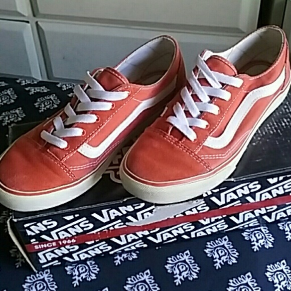 Vans Shoes   Off The Wall Old Skool Lo