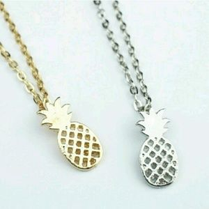 Jewelry - Pineapple necklace!