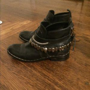 Freda Salvador star boot