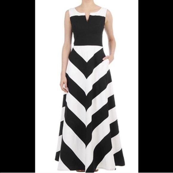 Eshakti Dresses Beautiful Black And White Chevron Dress