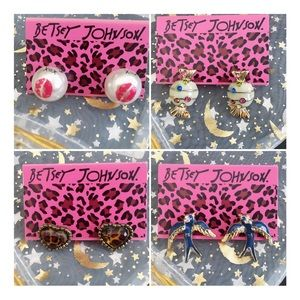 Bundle Betsey Johnson earrings