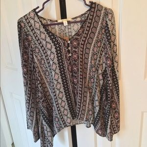 Francesca's Never Before Worn Patterned Blouse