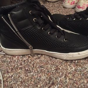 Leather Steve Madden sneakers