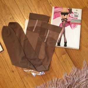 Fiore thigh high stockings BNWT.