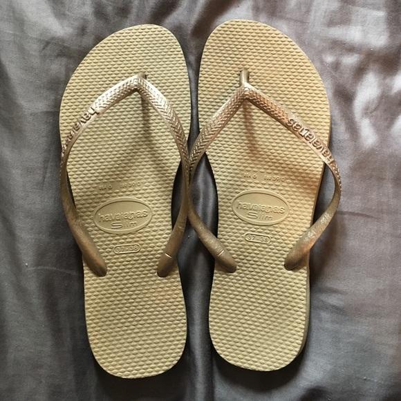 b3c3f5d5f Havaianas Shoes - Brand new brand name flip flops!