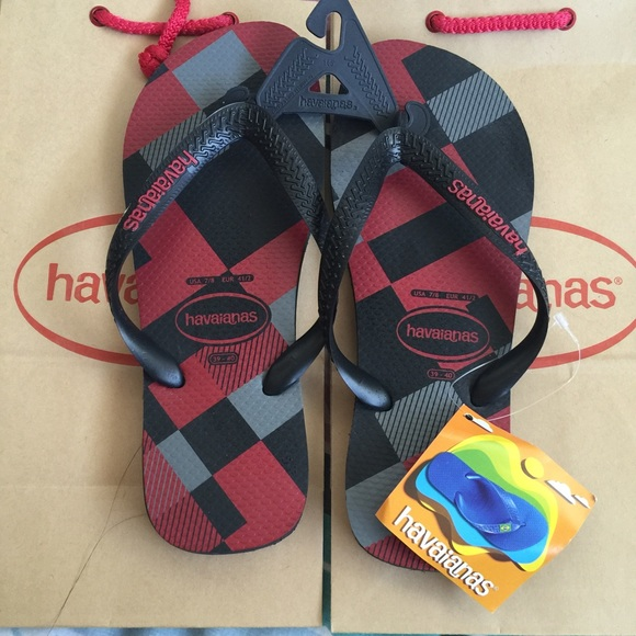 4c3b9589e Havaianas Men s Flip Flops BLACK RUBY RED