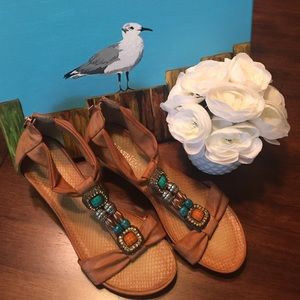 Spring step Shoes - Beaded wedges