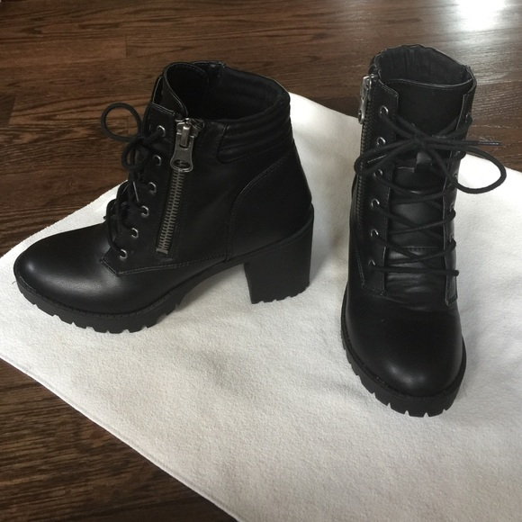 4a82cf075684 Steve Maden Troopa combat boots in 2019 My Posh Closet Shoes